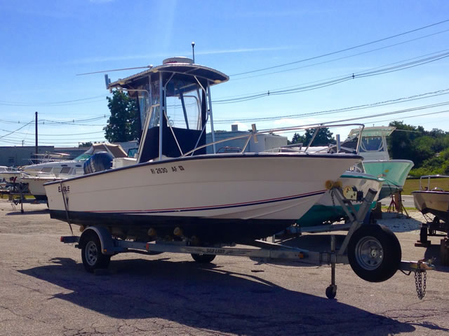 21' 2001 Eagle by Angler - Center Console